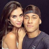 Neymar Jr. com novo affair? Jogador está ficando com modelo da Victoria's Secret, segundo jornalista
