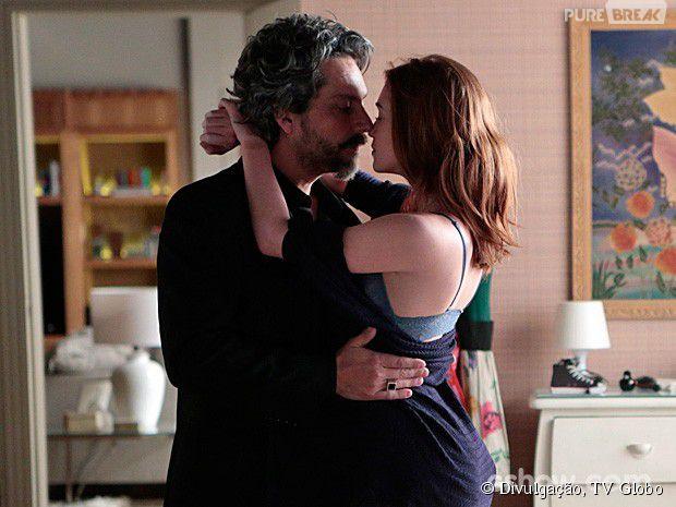 """Maria Ísis (Marina Ruy Barbosa) faz tudo por José Alfredo (Alexandre Nero) em """"Império"""""""