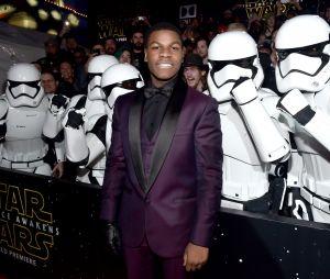 """De """"Star Wars - Os Últimos Jedi"""", ator John Boyega comenta sobre possível volta de personagem"""