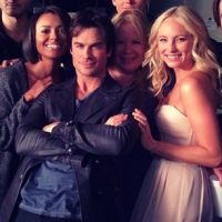"""The Vampire Diaries"": Ian Somerhalder e elenco se divertem em fotos do 6º ano"