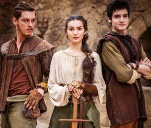"""Em """"Deus Salve o Rei"""", Selena (Marina Moschen) viverá triângulo amoroso com Ulisses(Giovanni Di Lorenzo) e Saulo (João Vithor Oliveira)"""