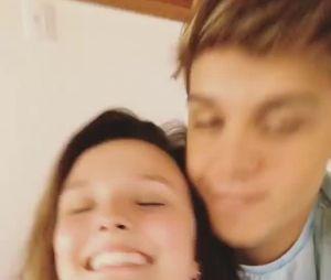 Larissa Manoela e Leo Cidade se reencontram após viagem