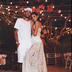 """Neymar revela tatuagem com Bruna Marquezine e reclama de distância: """"Saudades de nós"""""""