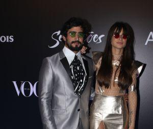 Baile da Vogue 2018: Thaila Ayala e Renato Góes se inspiraram nos Mutantes e usaram um look prateado