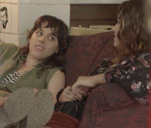 """Em """"Malhação"""": Lica (Manoela Aliperti) escuta declarações de Samantha (Giovanna Grigio) e Felipe (Gabriel Calamari)"""