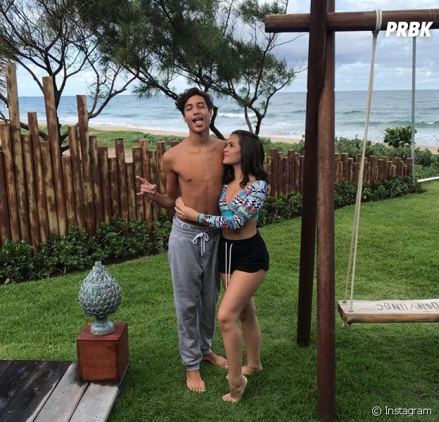 Mel Maia e o namorado, Erick Andreas, curtem viagem a Porto de Galinhas