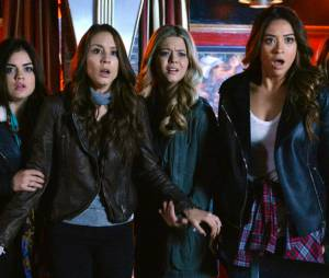 "Assista à promo do summer finale de ""Pretty Little Liars"", intitulado ""Taking This One To The Grave""."