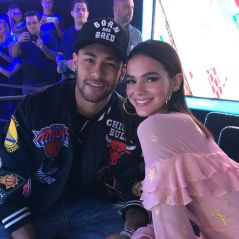 "Neymar Jr. e Bruna Marquezine prestigiam final do ""The Voice Kids"" e posam juntos na plateia!"