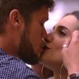 """Eliminado do """"BBB18"""", Breno se despede de Paula aos beijos"""