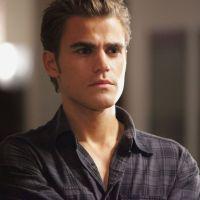 """Co-criador de """"The Vampire Diaries"""" revela qual era a frase original da última cena"""