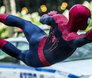 """Andrew Garfield estrela filme """"O Espetacular Homem-Aranha 2: A Ameaça de Electro"""""""