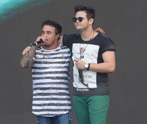 """Matheus & Kauan dividem os vocais com Anitta na música """"Ao Vivo e a Cores"""""""