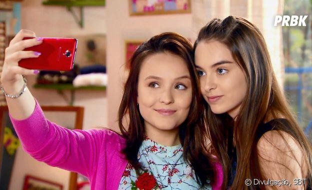 """Em """"As Aventuras de Poliana"""",Raquel(Isabella Moreira) eMirela (Larissa Manoela) são melhores amigas"""