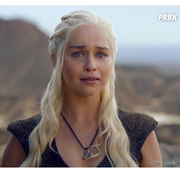 """Em """"Game of Thrones"""", Daenerys (Emilia Clarke) passará por situações tensas!"""