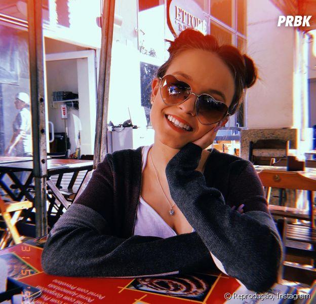 dfc774c83f0cd Larissa Manoela é a rainha dos óculos  Veja os melhores modelos ...