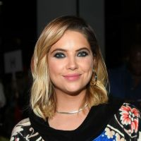 "De ""Pretty Little Liars"": Ashley Benson diz como quer participar do spin-off ""The Perfectionists"""
