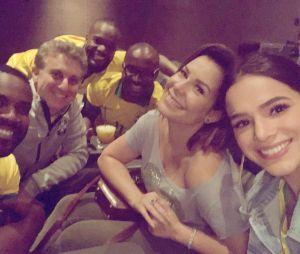 Bruna Marquezine torceu por Neymar e seus parceiros ao lado de famosos