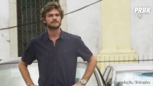 """Em """"Segundo Sol"""", Beto Falcão (Emílio Dantas) é um dos personagens que mais manda os outros """"se picarem"""""""