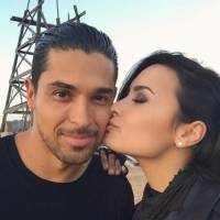 Internada após overdose, Demi Lovato recebe visita do ex-namorado, Wilmer Valderrama