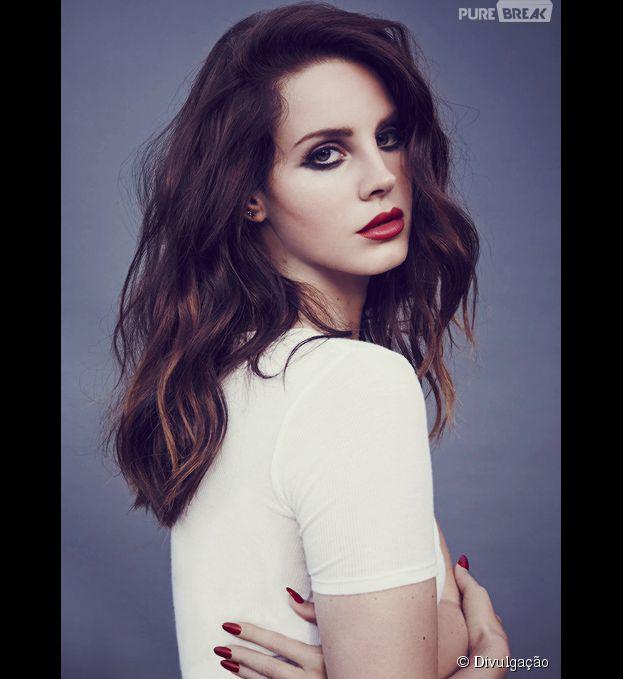 """Lana Del Rey está rodando o mundo com a turnê """"Ultraviolence"""", seu mais recente trabalho"""