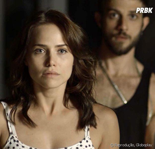 """Em """"Segundo Sol"""": Rosa (Letícia Colin) revela para Ícaro (Chay Suede) que foi Laureta (Adriana Esteves) quem matou Galdino (Narcival Rubens)"""