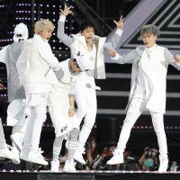 """GOT7 volta a parar o mundo do K-Pop com o lançamento de """"Present: YOU"""", seu novo álbum"""
