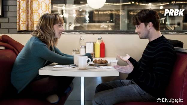 """Daniel Radcliffe super romântico em """"Será Que?"""""""