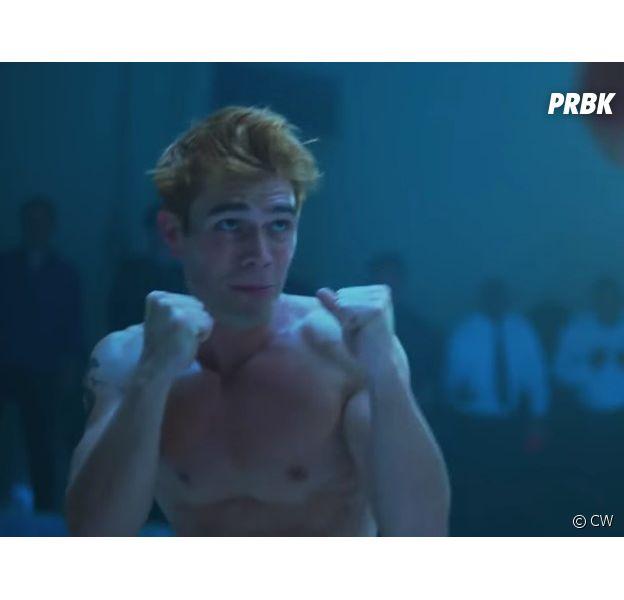 """Em """"Riverdale"""": Archie (KJ Apa) é forçado a participar de um tipo de """"Clube da Luta"""" na prisão"""