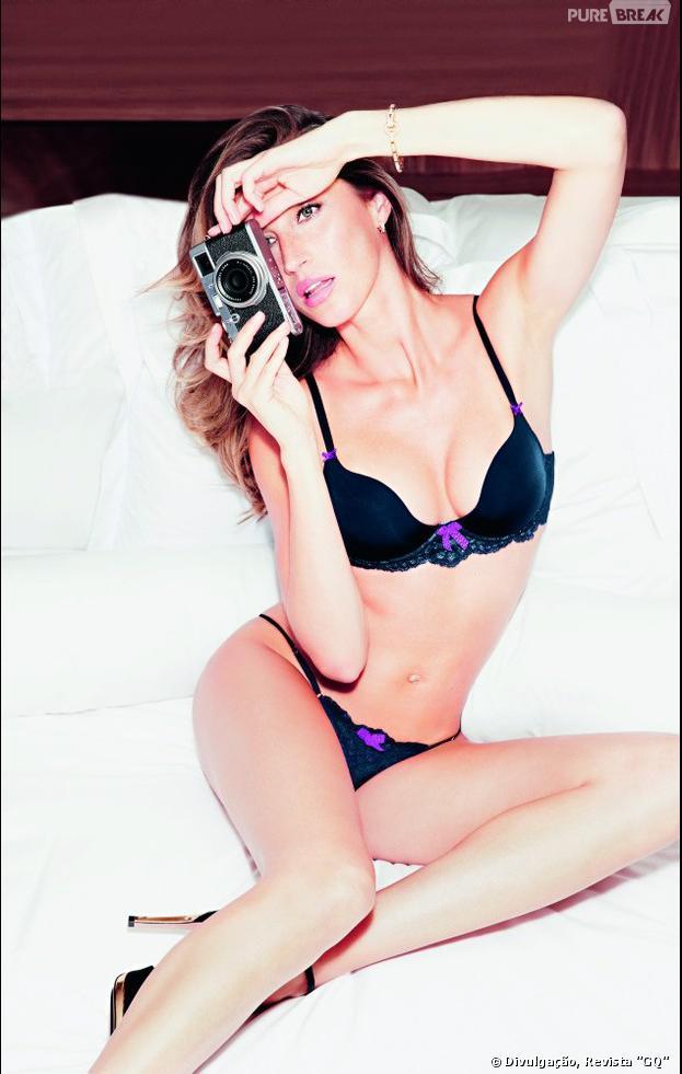 """A modelo Gisele Bündchen é a capa da revista """"GQ"""" de novembro e revelou que adora as calcinhas fio dental"""
