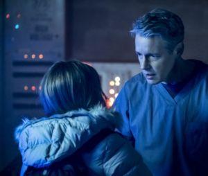 """As primeiras imagens do pai de Caitlin (Danielle Panabaker) de """"The Flash"""" são divulgadas"""