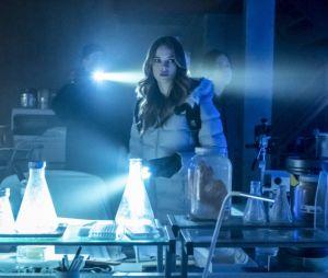 """Em """"The Flash"""": primeiras imagens do pai de Caitlin (Danielle Panabaker) são liberadas!"""