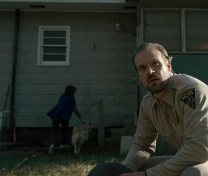 "David Harbour, o xerife Hopper de ""Stranger Things"", conta que série terá mais temporadas!"