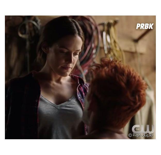 """Em """"Riverdale"""": Laurie Lake (Riley Keough) é a nova personagem da série"""