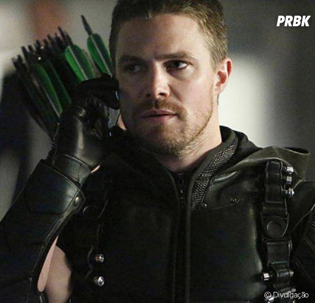 """""""Arrow"""" e """"Smallville"""" fazendo crossover? Existe essa possibilidade!"""