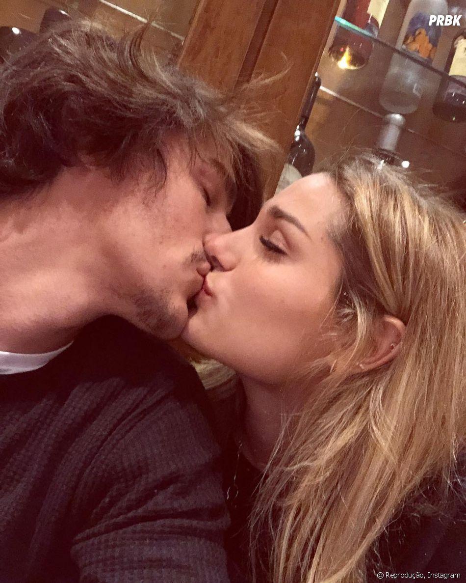 Bruno Montaleone diz que mandou direct pra Justin Bieber depois de ver as fotos dele beijando sua namorada, ou melhor, Hailey