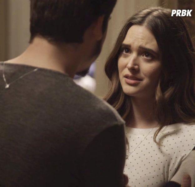 """Em """"O Tempo Não Para"""": Samuca (Nicolas Prattes) fica preocupado em ser parecido com o pai depois de conhecê-lo"""