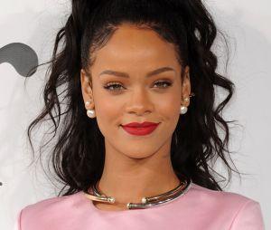 Rihanna canta trecho de possível música nova em vídeo