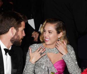 Miley Cyrus desmentiu gravidez de Liam Hemsworth com foto do ovo mais curtido no Instagram