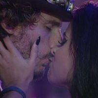"""Finalmente! Rolaram os primeiros beijos do """"BBB19"""" na segunda festa. Vem ver tudo que aconteceu"""