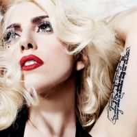 Lady Gaga fala sobre assédio sexual e levanta polêmica na web!