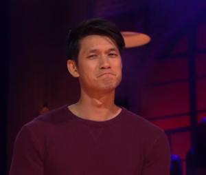 """Harry Shum Jr., de """"Glee"""", não deixa barato durante batalha de rimas com seus ex-colegas de elenco"""