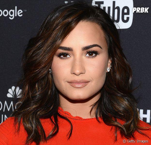 Demi Lovato não gostou nada da forma como um jornalista escreveu uma matéria sobre seu corpo