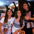 """Larissa Manoela ajudou Tatá Werneck momentos antes de entrarem para gravar o """"Lady Night"""" - apresentadora sofreu enjoo por causa da gravidez"""