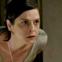 """Na novela """"Império"""": Cora empurra Fernando da escada e mata o advogado!"""