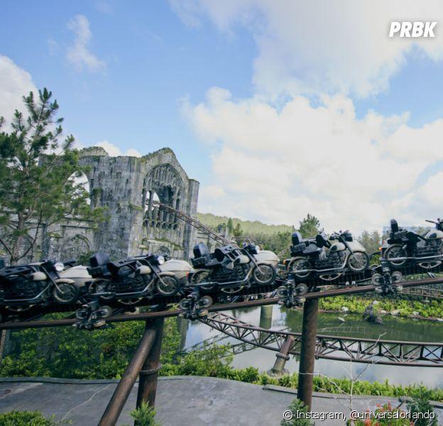 """""""Harry Potter"""": o Universal Orlando liberou as primeiras fotos da nova montanha russa temática do parque do bruxinho e é simplesmente incrível"""
