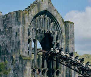 """""""Harry Potter"""": prepare-se pra muita adrenalina na nova montanha russa do Hagrid, que é a maior da Florida, nos EUA"""