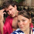 Alice Wegmann revela que foi ela quem pediu o amado em namoro