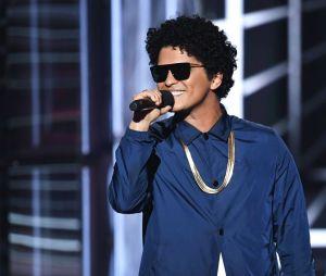 """Em parceria com Bruno Mars e Chris Stapleton, Ed Sheeran libera nesta sexta (5) a faixa """"Blow"""" que tem uma pegada rock com bastante guitarra"""