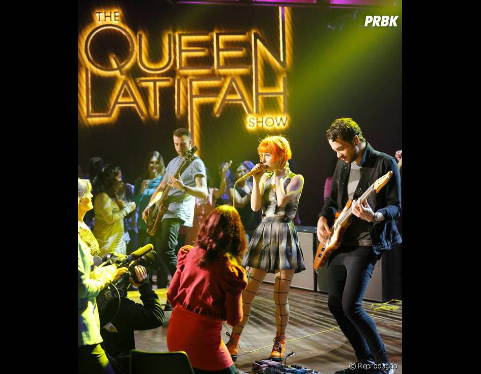 "Paramore se apresentou no ""The Queen Latifah Show"""