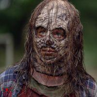 """Primeiras imagens da nova vilã de """"The Walking Dead"""" são reveladas e nós estamos arrepiados"""